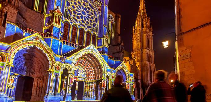 Live a magical experience during Chartres light show
