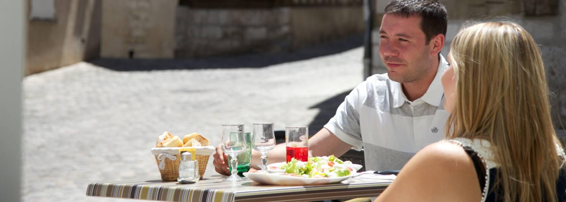 Pause déjeuner en terrasse à Chartres