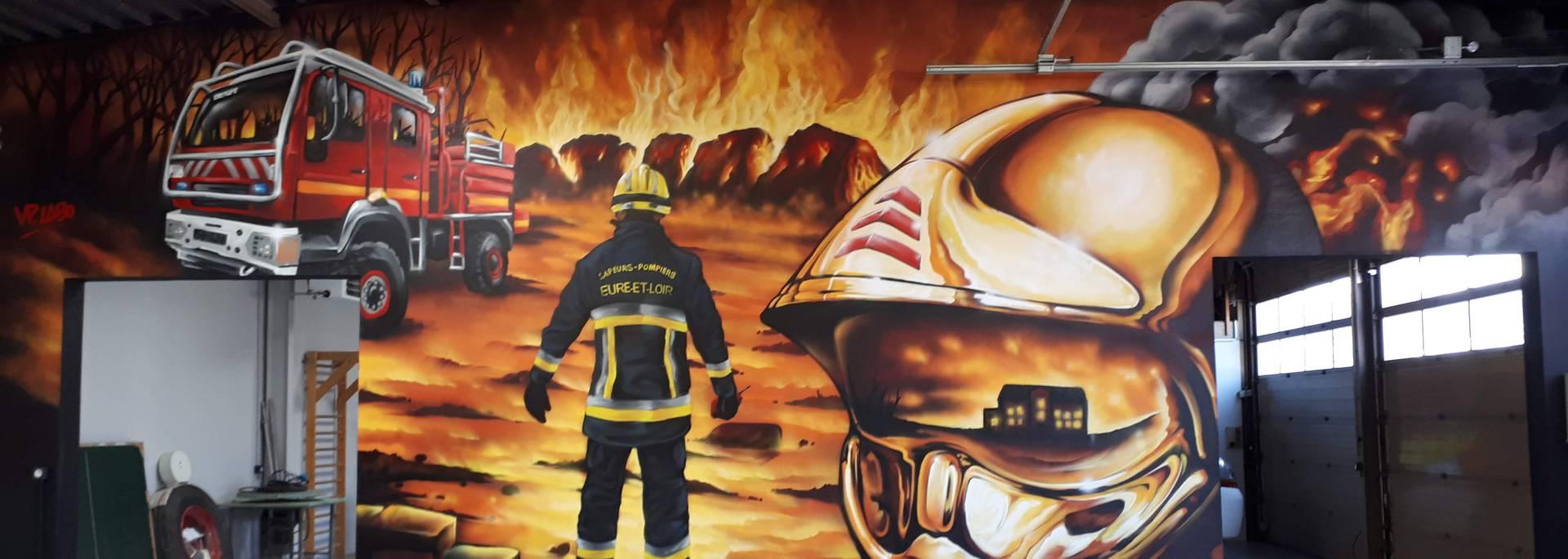 Oeuvre street art de Vincent Pascal à la caserne de pompiers de Champhol