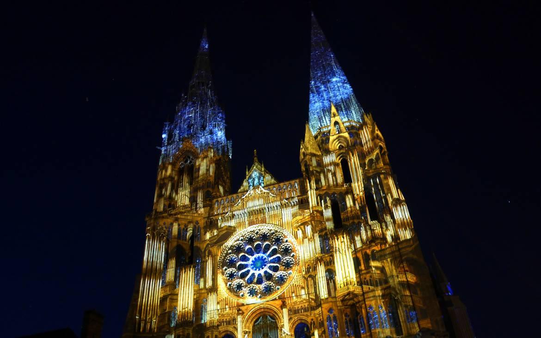 Chartres en lumières privilège : entre mystère et féérie