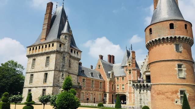 Anfahrt zum Schloss von Maintenon