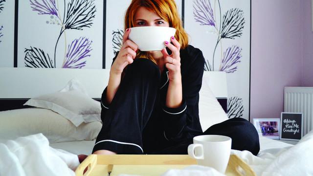 Illustration d'un petit-déjeuner en chambre