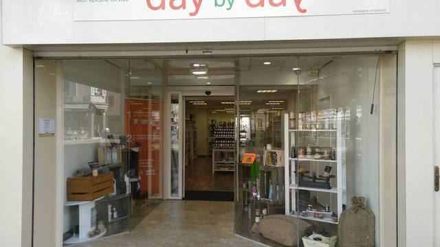 Vitrine du magasin Day by Day à Chartres