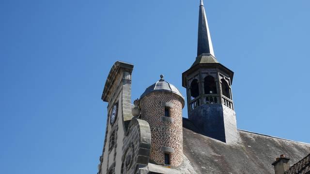 Façade de l'église Saint-Pierre de Maintenon