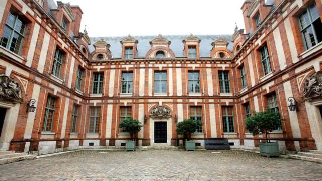 Vue de la cour de l'Hôtel Montescot
