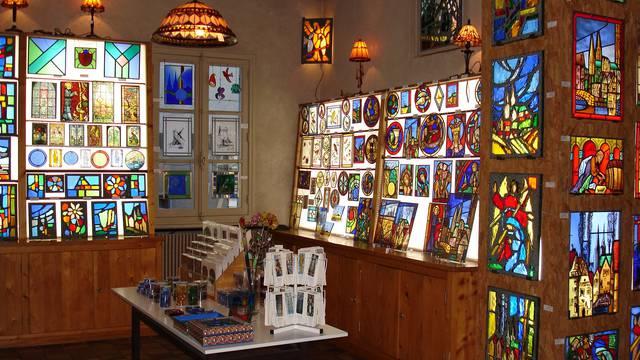 Intérieur de la galerie du vitrail à Chartres