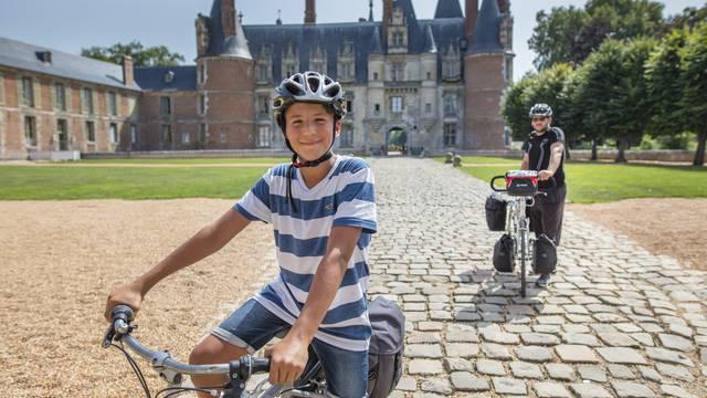 Pause à Maintenon sur l'itinéraire de la véloscénie