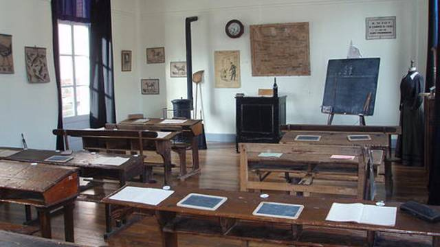 Salle de classe du musée de l'Ecole de Chartres et d'Eure-et-Loir