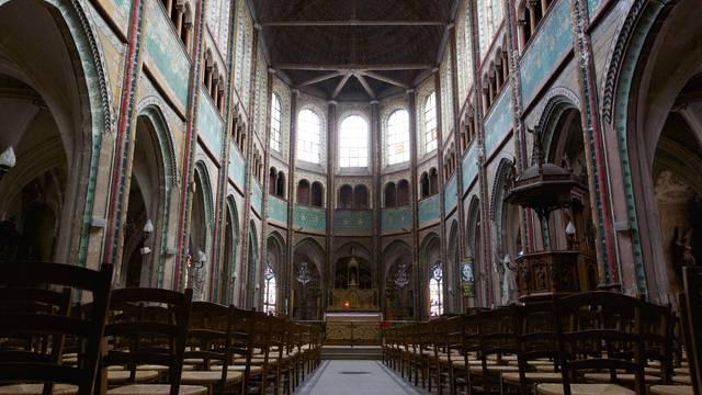 Peintures dans l'église Saint-Aignan à Chartres