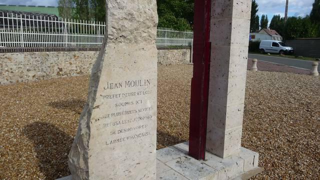 Route Jean Moulin à La Taye