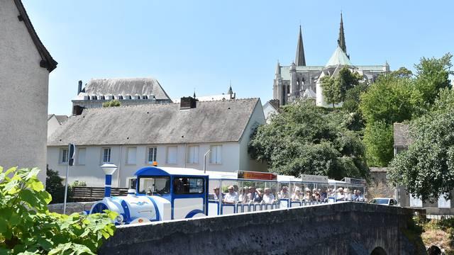 Le Petit Chart'Train - Copyright Chartres Tourisme Xavier Martino