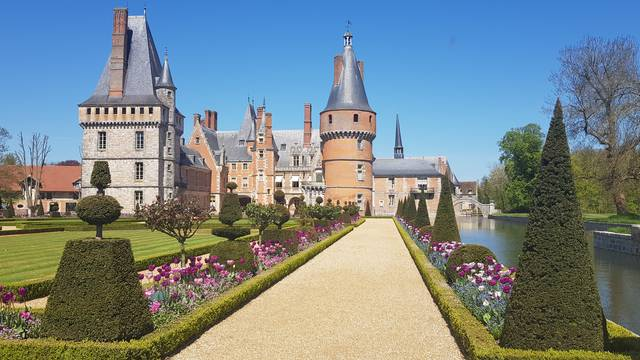 Visit Maintenon Castle
