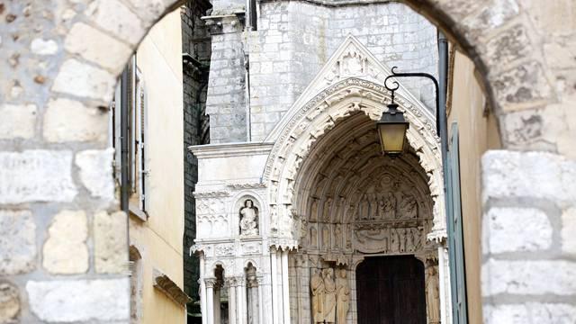Porte du cloître à Chartres
