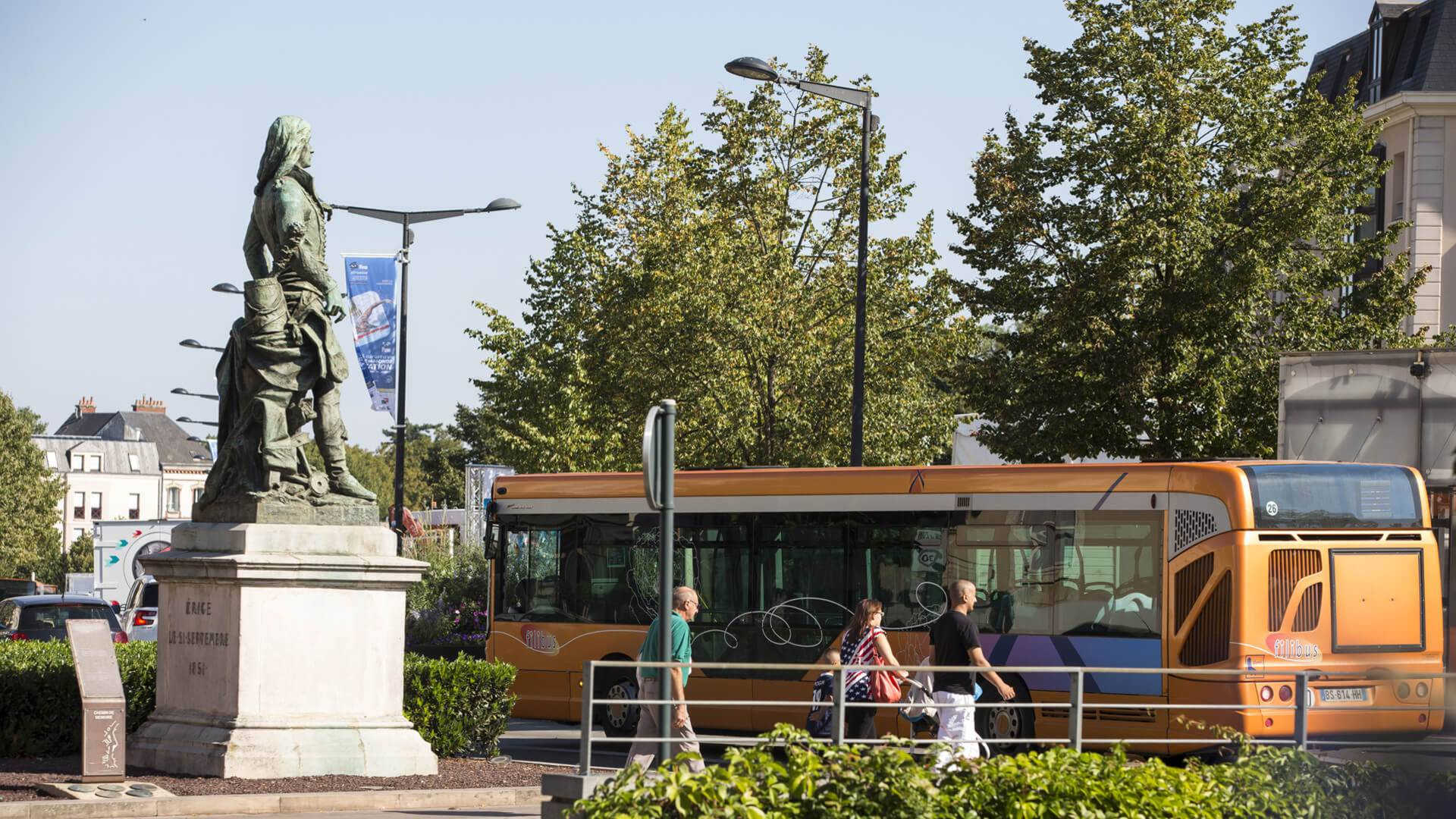 Bus filibus à Chartres