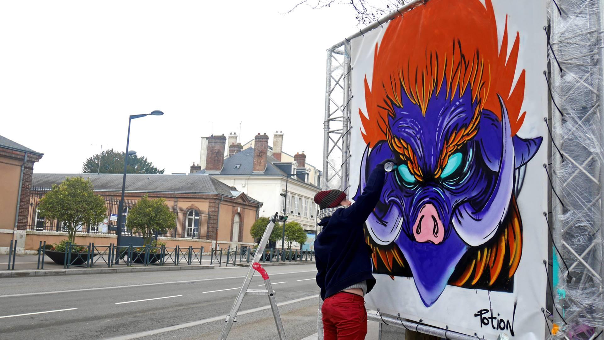Street artiste sur le Boulevard du graff 2018