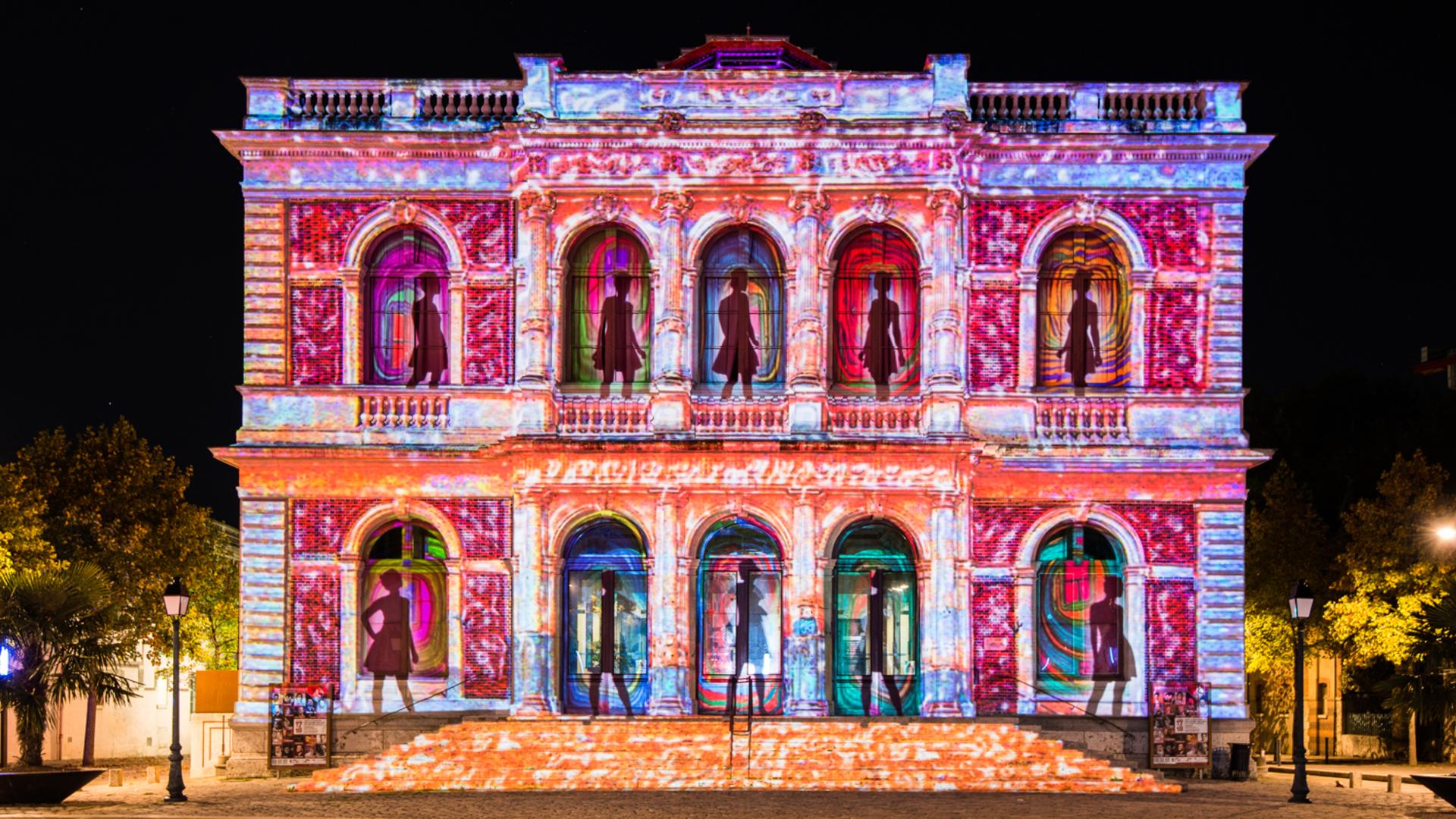 Illumination de la Théâtre de Chartres pour Chartres en lumières
