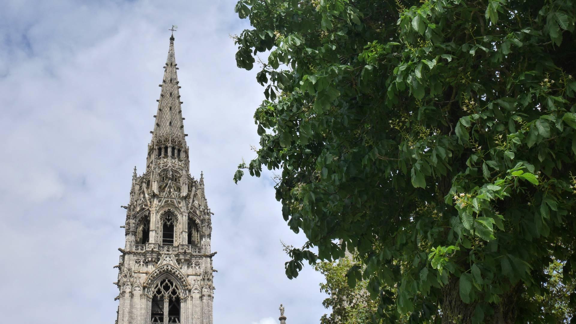 Vue de la tour Nord de la cathédrale de Chartres