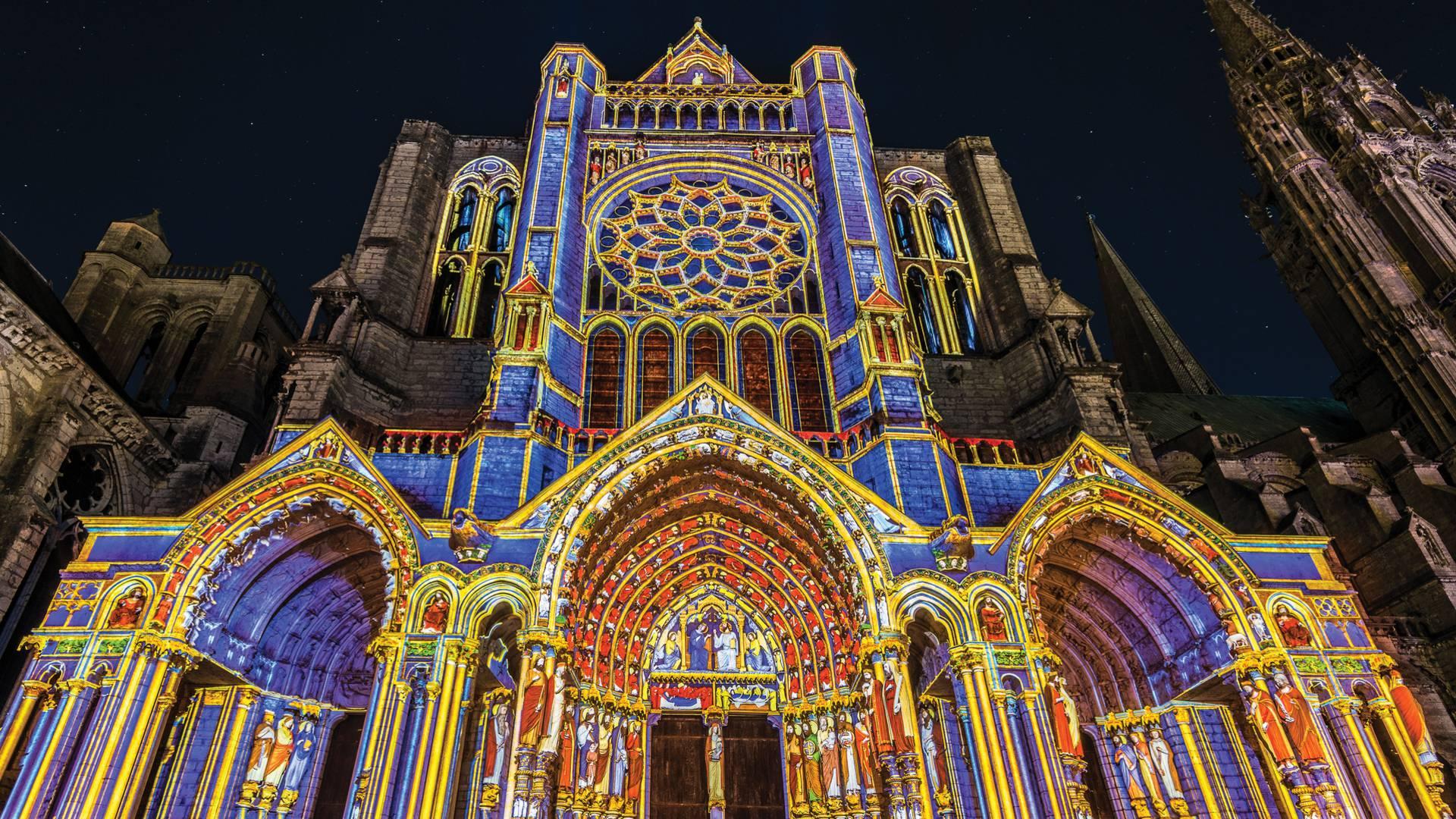 Portail Nord de la cathédrale pendant Chartres en lumières