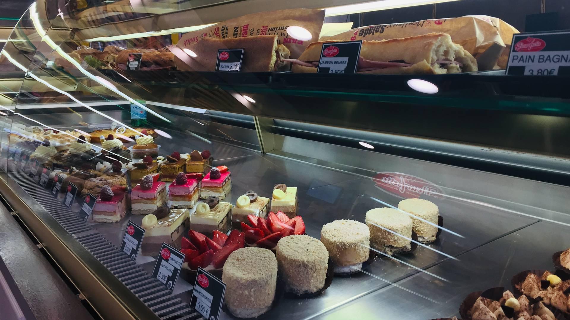 Sandwichs et pâtisseries de la boulangerie Fournil du château