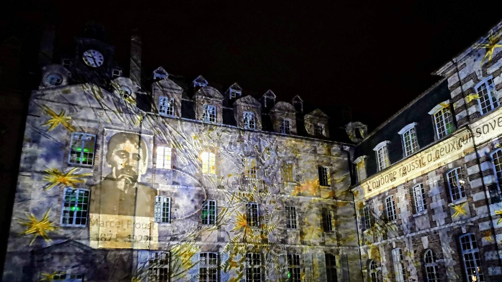 Scénographie réalisée par Lumière de Verre pour Chartres en lumières