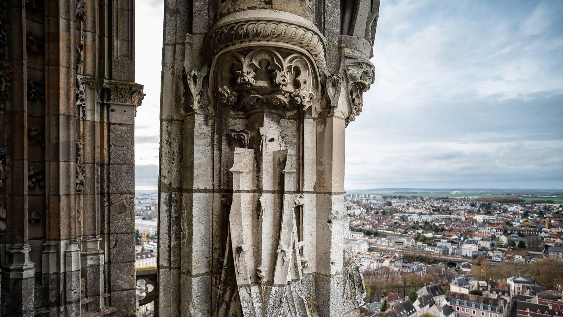Vue sur les terres de Chartres depuis les hauteurs de la cathédrale