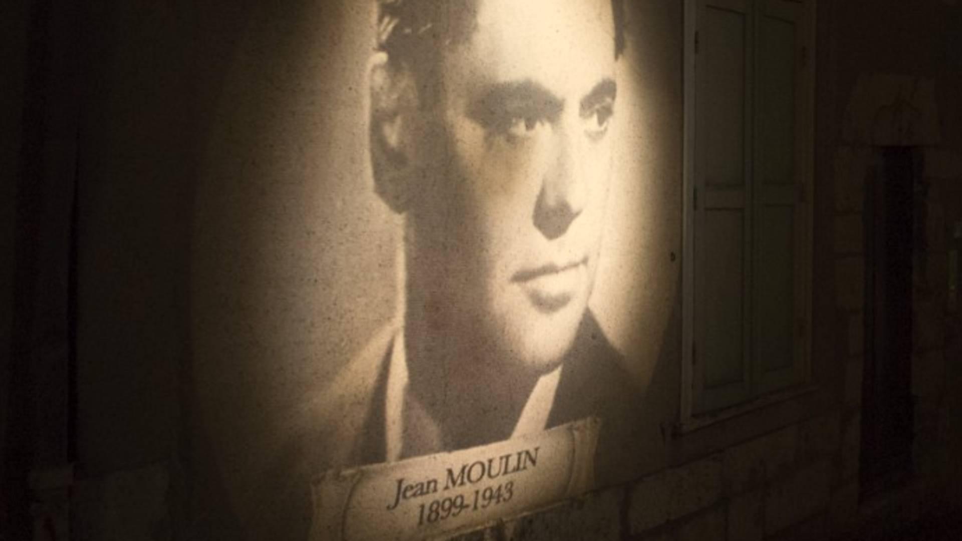 """Illumination """"Jean Moulin"""" au GOBO dans la rue Saint-Pierre"""