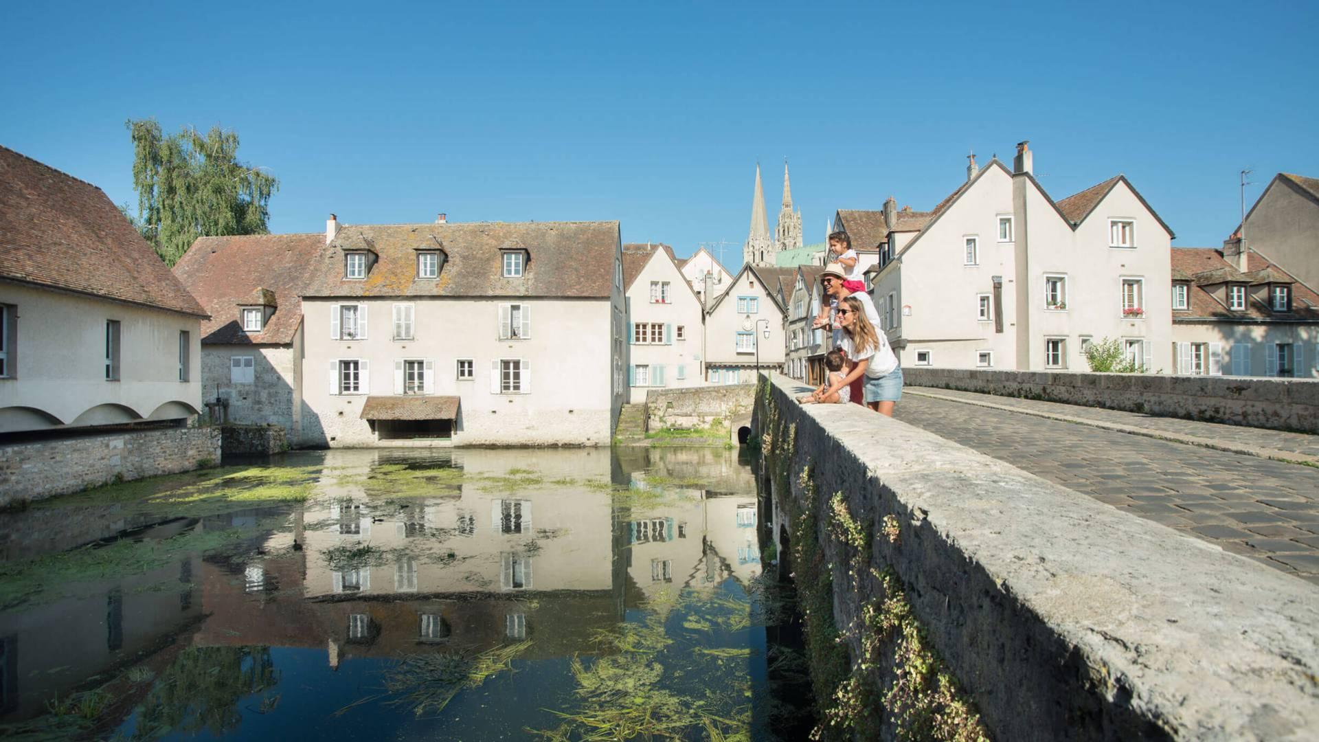 Chartres von der Bouju-Brücke aus besuchen
