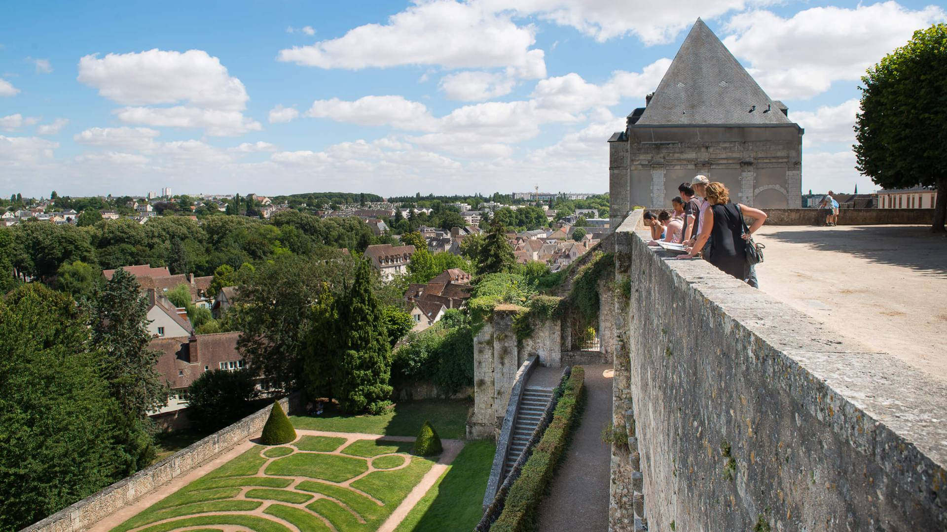 Discover Chartres