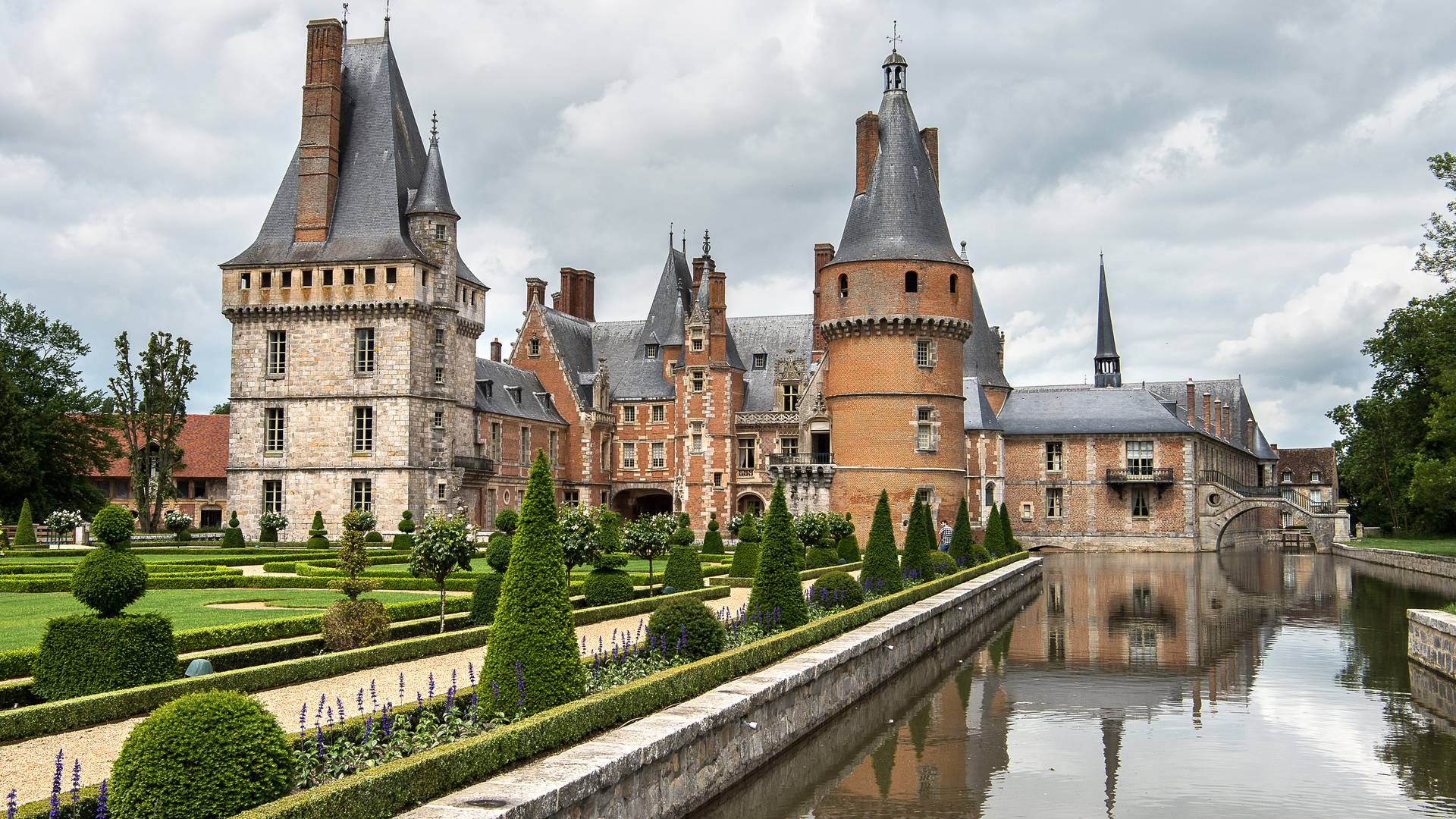 From Chartres to Maintenon