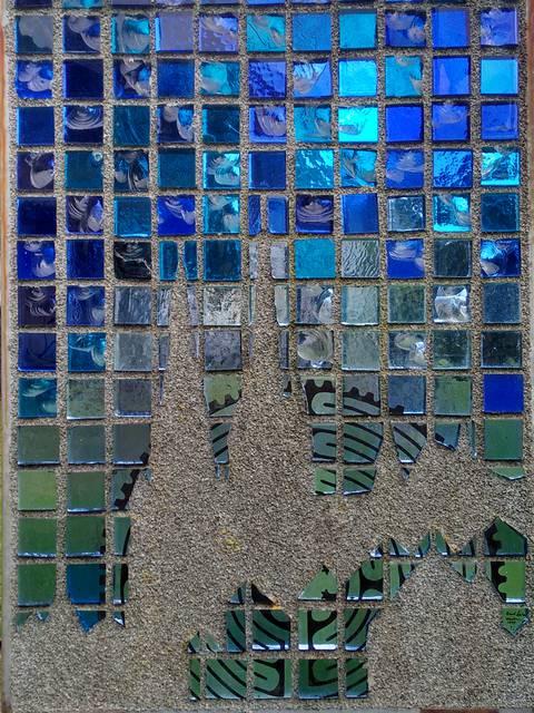 Vitrail en dalle de verre dans la vitrailleraie des Ateliers Loire - © Vanessa Treney