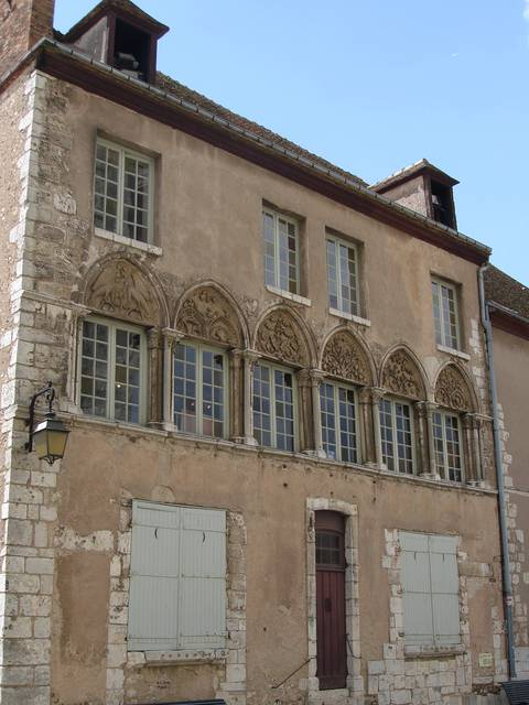 Maison canoniale proche de la cathédrale