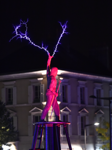 Crédit artistique : Lords of Lightning limited - Crédit photo : Groupement Martino