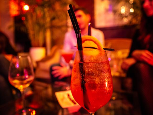Bar du soir à Chartres