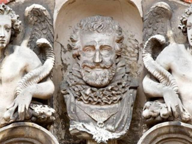 Détail Henri IV sur l'hôtel Montescot