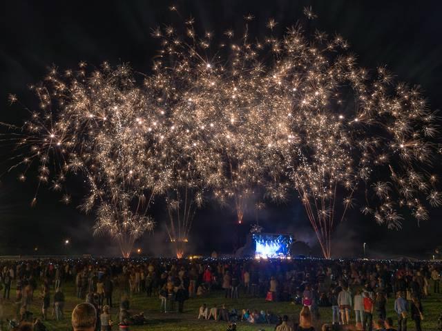 14 juillet à Chartres - concert des naïve new beaters