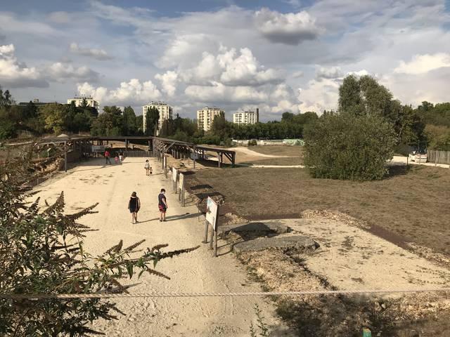 Vue du champ de fouilles du sanctuaire Saint-Martin-au-Val