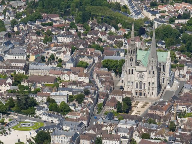 Vue aérienne de Chartres