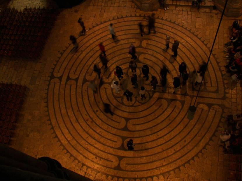 Vue aérienne du labyrinthe de la cathédrale
