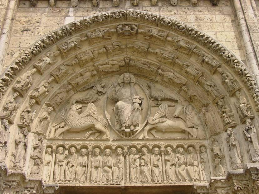 Tympan central du portail royal de la cathédrale