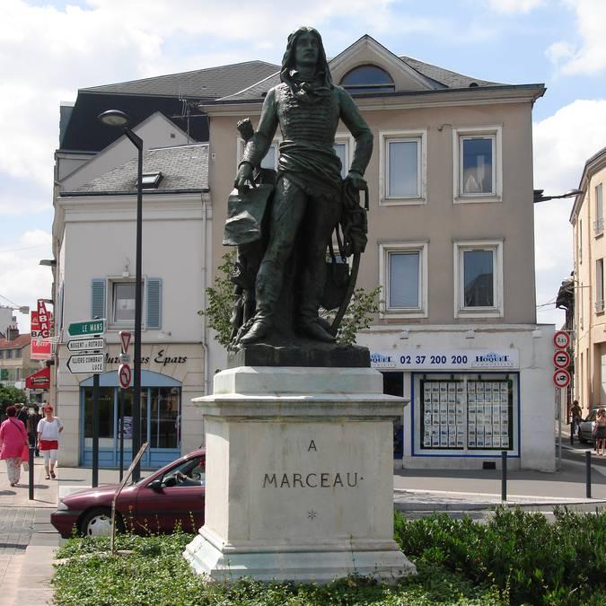 Statue Marceau