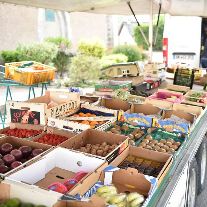 Stand de fruits et légumes sur le marché