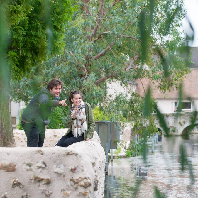 Visite de la basse ville de Chartres entre amis - © C'Chartres Tourisme (Laurent Bonduaux)